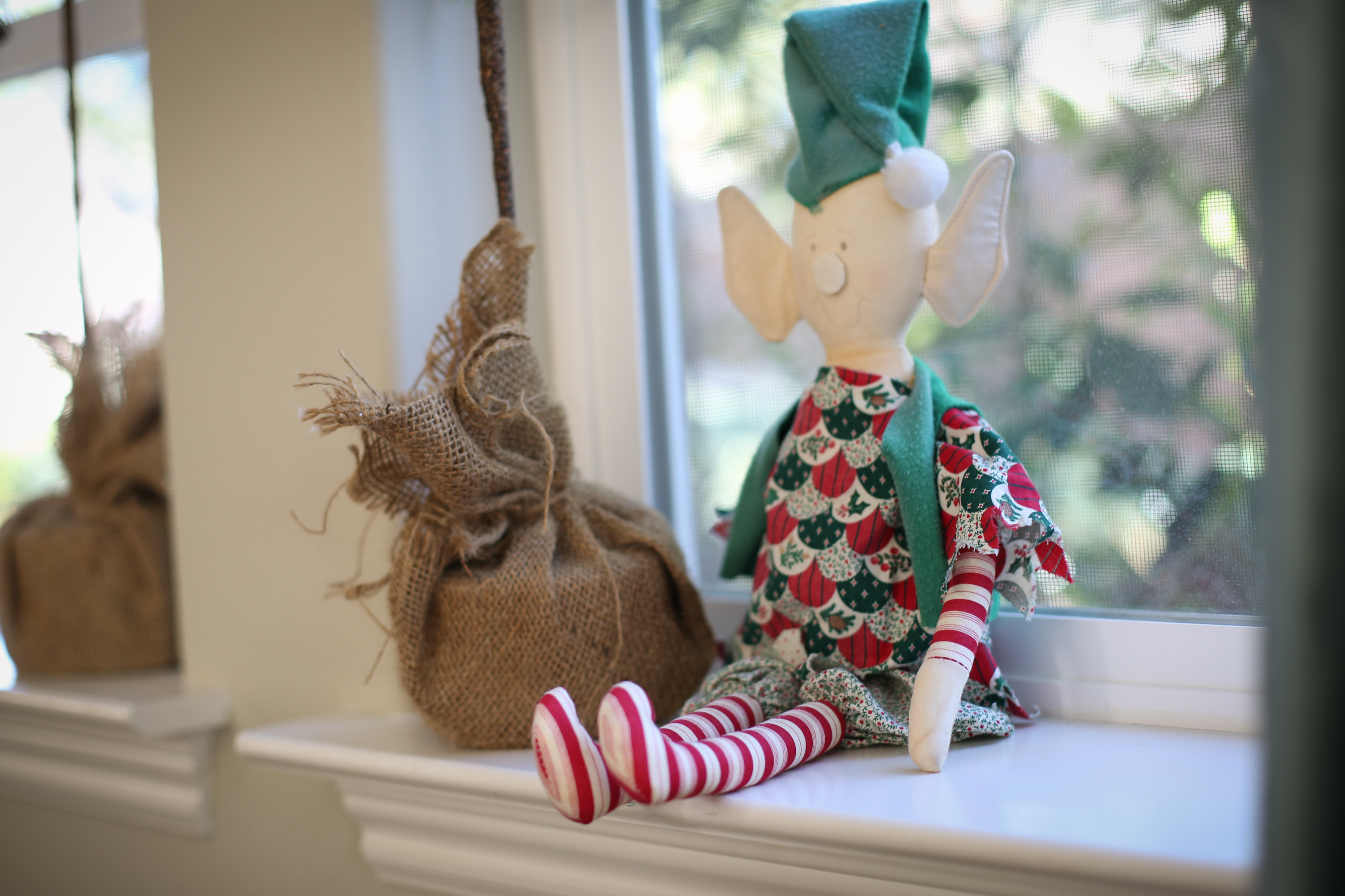 hello-very-loved-elf-lisa-leonard-02